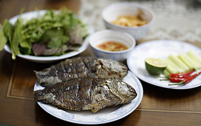 Chọn lọc 2 cách ướp cá nướng với than không khói ngon nhất