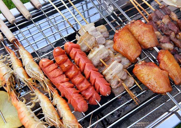 Tại sao nướng thịt bằng than không khói lại ngon hơn?