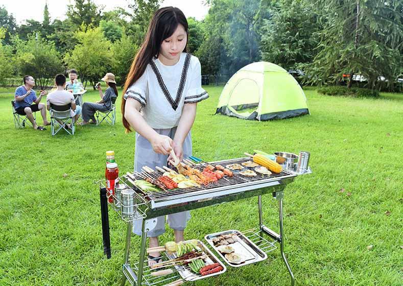 Tiệc nướng BBQ với than không khói